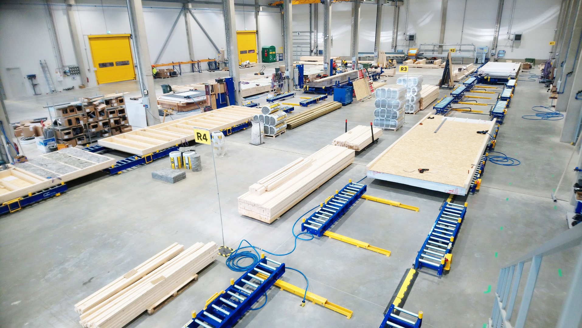 Modular houses assembly line equipment Moodulmajade koosteliin rulltee Линия сборки модульных домов